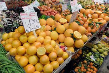 arance al mercato