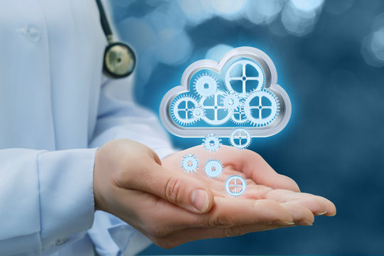 Doctor shakes his information from cloud data.