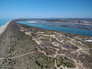 Tavira desde el aire. Tavira es una ciudad portuguesa del distrito de Faro, región del Algarve