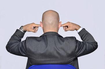 El ejecutivo que no quiere oír.