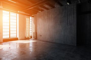 Leeres Loft in Fabrik mit Wänden aus Stein und Beton