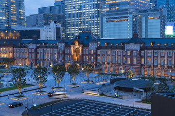 東京風景 東京駅 ライトアップ 2017年