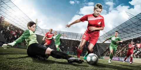 Frauenfußball - Angriff am Torwart vorbei