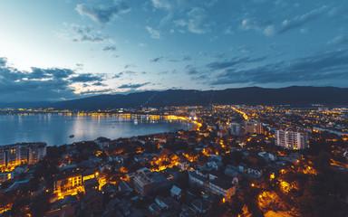 Panorama of the night city of Gelendzhik  Fototapete