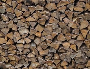 冬の準備 北海道で積み上げられた薪