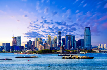 Fototapete - Statue of Liberty and Jersey City in Blue Hour