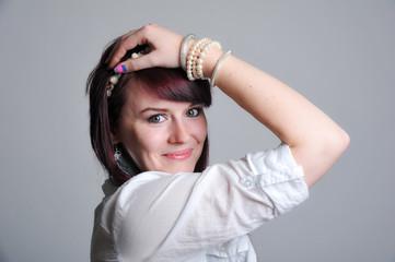 junges Mädchen Portrait rote gefärbte haare 1
