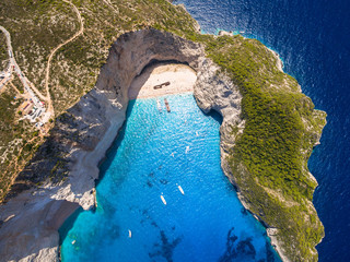Foto auf AluDibond Insel Aerial view of Navagio beach Shipwreck view in Zakynthos (Zante) island, in Greece