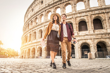 Printed kitchen splashbacks Rome Couple at Colosseum, Rome