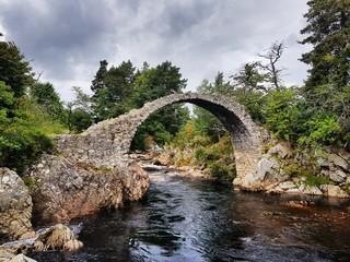 Carr Bridge, die älteste Steinbrücke Schottlands