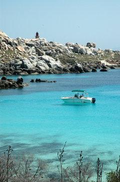 L'archipel des îles du Lavezzi, dans le parc du Lavezzi en Corse du Sud, réserve naturelle de Bonifacio sur l'île de Corse, France