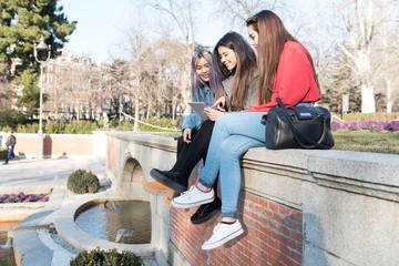 Philippine women in Retiro Park Madrid