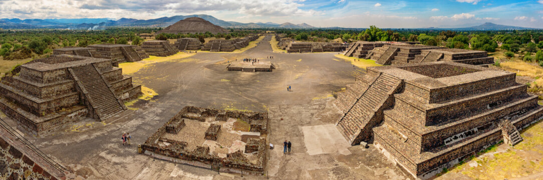 Pyramid of the Sun and the road of death in Teotihuacan