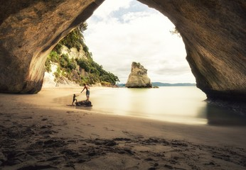 Poster Cathedral Cove People at Cathedral Cove beach in New Zealand