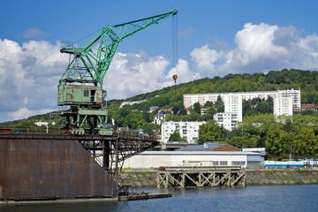 Rouen (76) Dock flottant du port de plaisiance