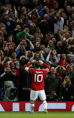 Manchester United v VfL Wolfsburg - UEFA Champions League Group Stage - Group B
