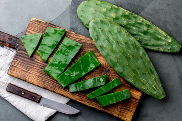 Photo sur Aluminium Cactus Leave of cactus nopales. Mexican food and drink ingredient. top view