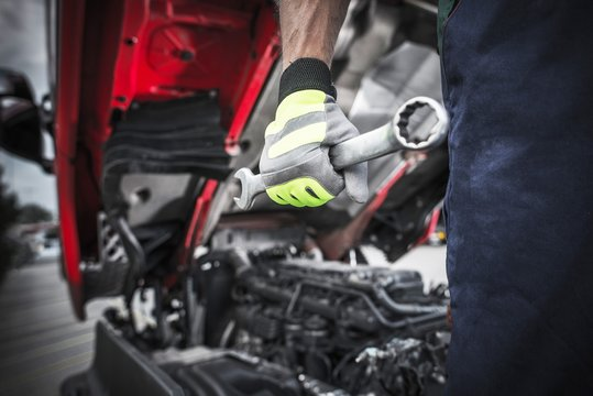 Semi Trucks Mechanic