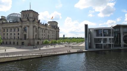 Foto op Canvas Berlijn Berlin - Reichstag an der Spree