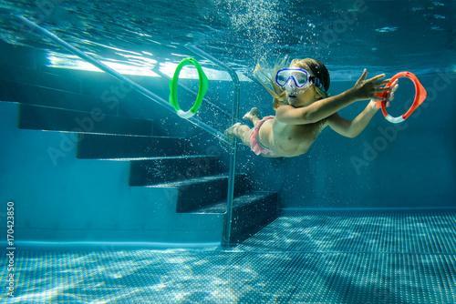 Schwerelose Wasserspiele