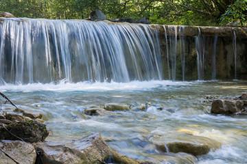Wasserfall im Bach