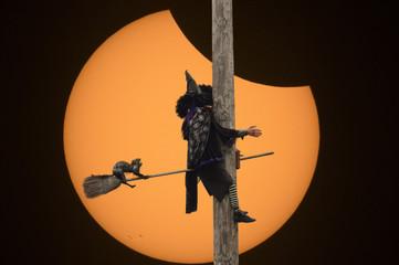 Crashing While Eclipsing