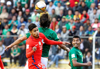 Football Soccer – 2018 World Cup Qualifying - Bolivia v Chile