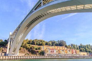 Vista da Ponte da Arrábida no Porto