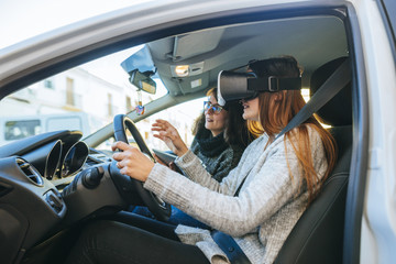 Learning to drive with VR glasses