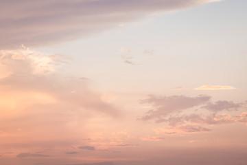 夕焼け色に染まる雲3