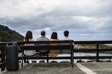 Familia viendo el paisaje