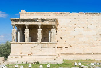 Fototapete - famous facade of Erechtheion temple in Acropolis of Athens, Greece