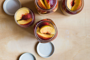 Making peaches in syrup