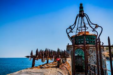 Le phare et les cadenas de Collioure