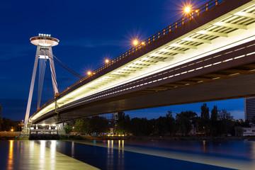 In de dag UFO Night view of the illuminated SNP bridge over Danube in Bratislava, UFO, Slovakia