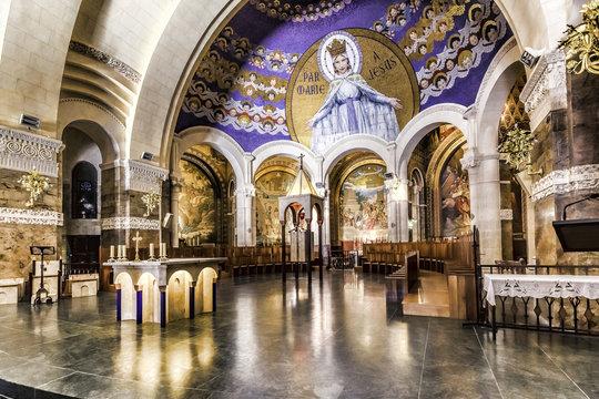 Interior Basílica del Rosario (Lourdes)