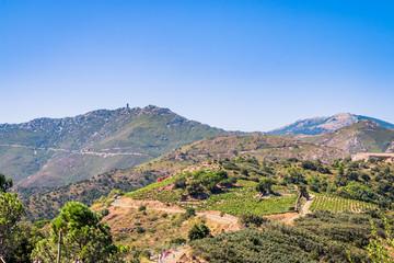 Vue sur les montagnes du haut du Fort Saint-Elme