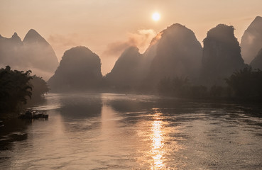 Printed kitchen splashbacks River Li river in mist at sunrise. Yangshuo, China.