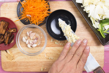 Chef prepared garlic for cooking