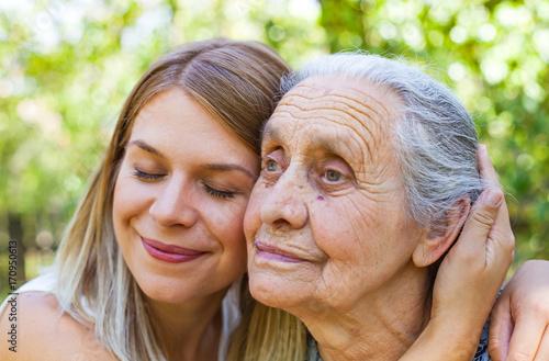 family caregi alzheimers effects - HD1290×849