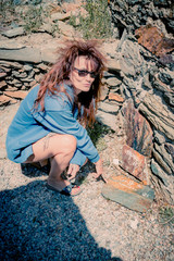 Femme dans le Fort Saint-Elme à Collioure