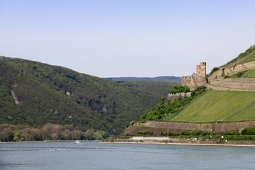 Rhein bei Bingen mit Burg Ehrenfels