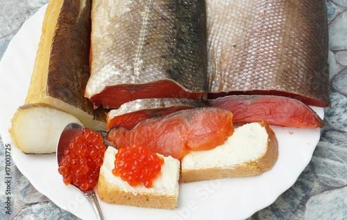 Красная рыба и красная икра