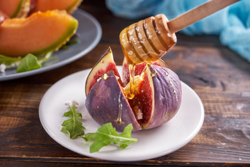 Fig fruit with honey and cheese