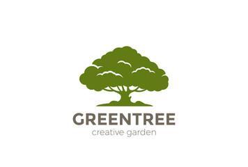 Green Oak Tree Logo vector. Nature Environment Garden icon