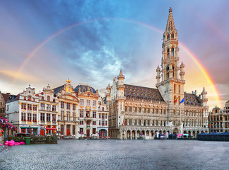 Spoed Fotobehang Brussel Brussels, rainbow over Grand Place, Belgium, nobody