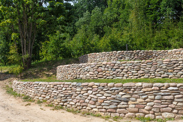 retaining wall of cobblestones
