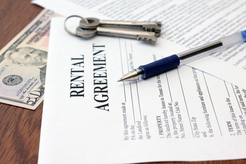 Residential Tenancy Agreement with money and keys