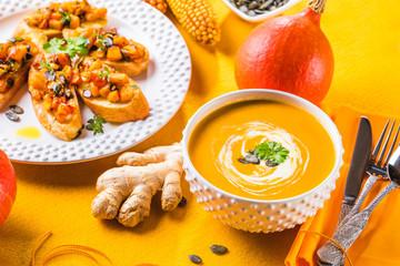 Frische Hokkaido Kürbis Suppe