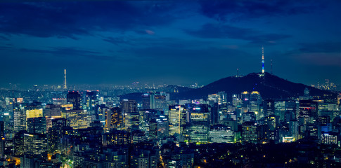 Türaufkleber Seoul Seoul skyline in the night, South Korea.